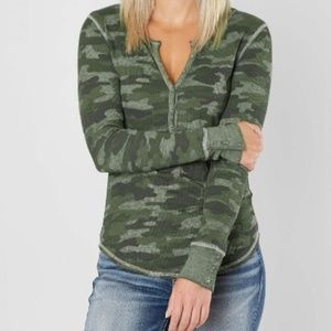 Lucky Brand NWT Thermal Henley Camo Top Olive